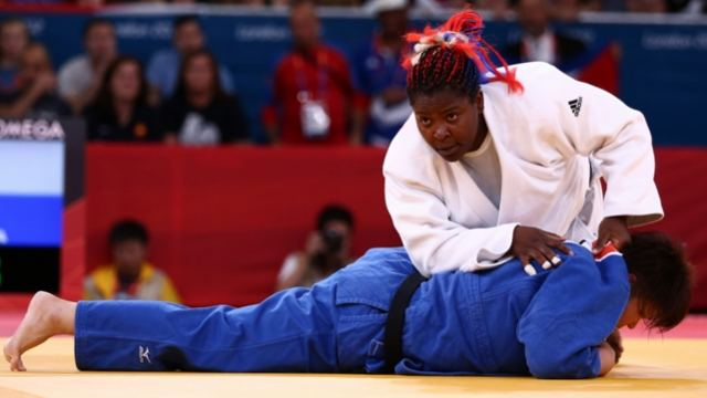Fuerte equipo (f) cubano de Judo a Toronto