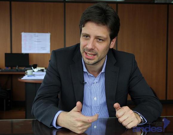 Ecuador Cuba Guillaume Long.