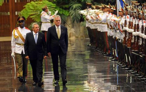 Raul Castro Presidente of Serbia