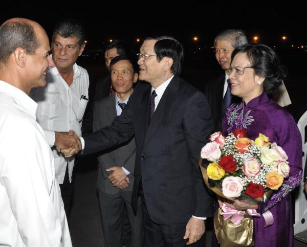 Arrival of Vietnamese President. photo: AIN