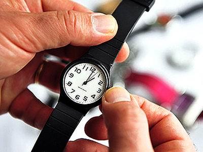 reloj-pulsera-atraso