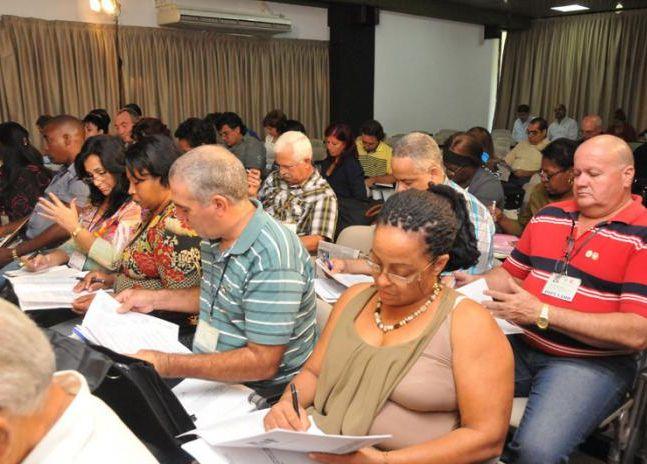 Cuba Parliament Commission Begin Discussions. Photo: Granma