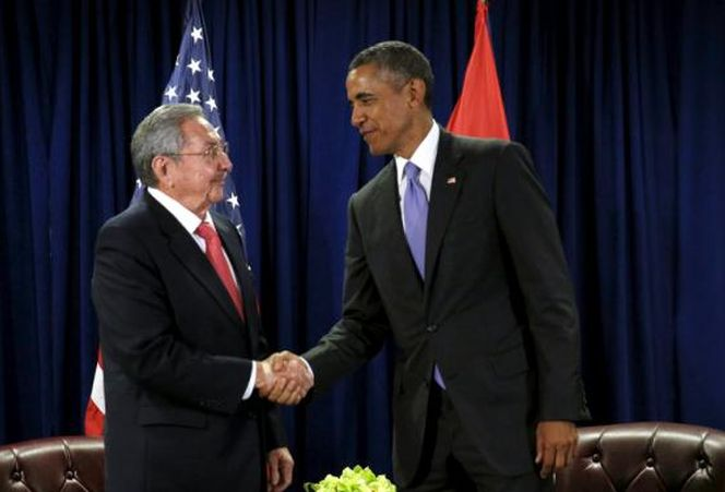 Obama meets Raul Castro at the United Nations in New York, September 2015. (Photo: REUTERS)