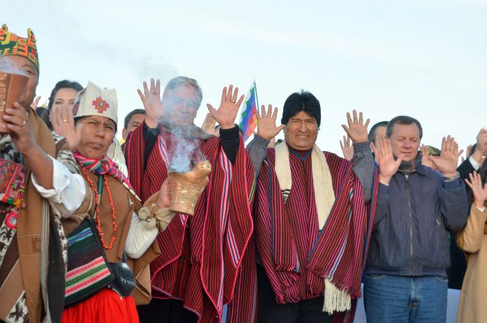 Bolivians Celebrate Evo Morales 10 Years Government. Photo taken from www.abi.bo/abi