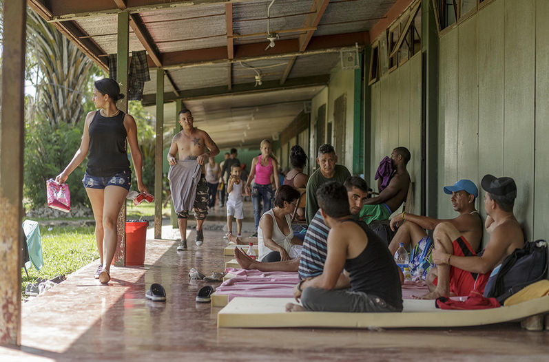 Cuban Emigrants in Costa Rica Transferred due to Local Elections. Photo taken from www.nacion.com