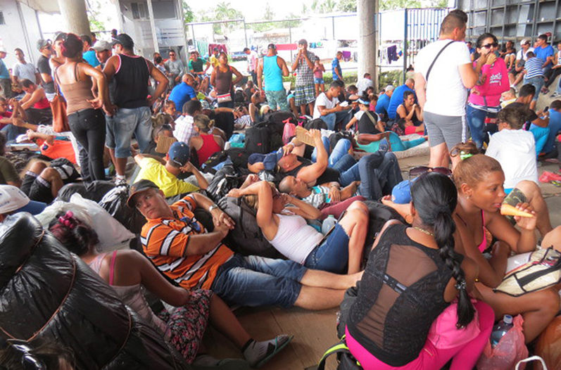 Costa Rica Announces Departure of First Group of Cuban Emigrants. Photo taken from www.nacion.com