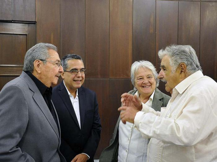 Fraternal Meeting between Raul Castro and Jose Mujica. Photo: Estudios Revolución