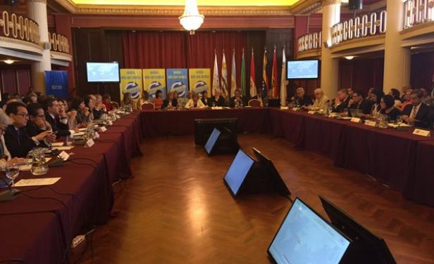 Health Ministers Meet in Uruguay to Discuss Zika Virus. Photo taken from elpais.com.uy