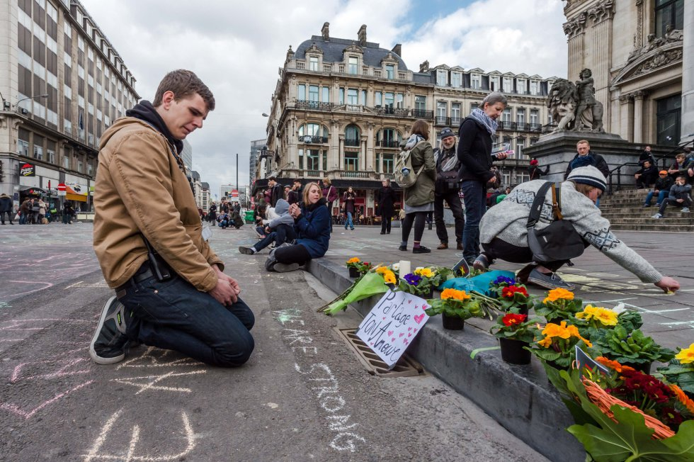 Belgium people honor the victims of the terrorist attack.