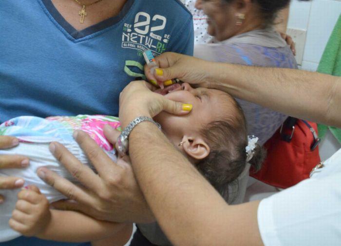 New Anti-Polio Vaccination Campaign underway in Cuba. (Photo: Oscar Alfonso Sosa)