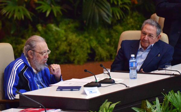 Fidel and Raul Attend Closing Session of Cuban Party Congress (Photo: ACN)