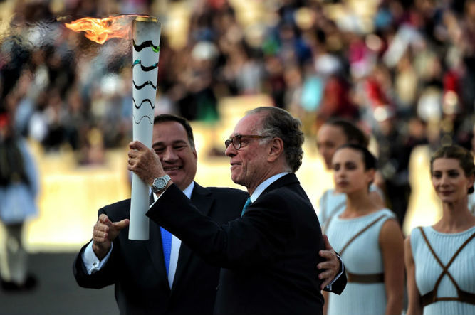 Athens Hands Over Olympic Flame to Rio de Janeiro (Photo taken from http://www.prensa.com)