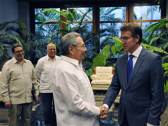 Raul Castro Meets with President of Galicia Regional Government (Photo: Estudios Revolucion)