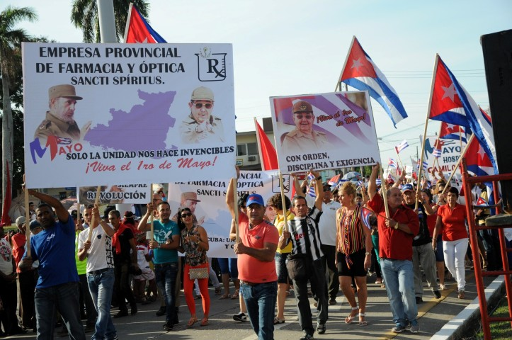 Residents of Sancti Spiritus Marched on May Day (Photo: Vicente Brito)