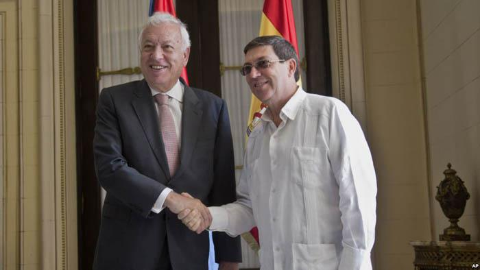 Spanish Foreign Minister Jose Manuel García-Margallo (L) previously visited Cuba in 2014 (File photo taken from http://www.granma.cu)