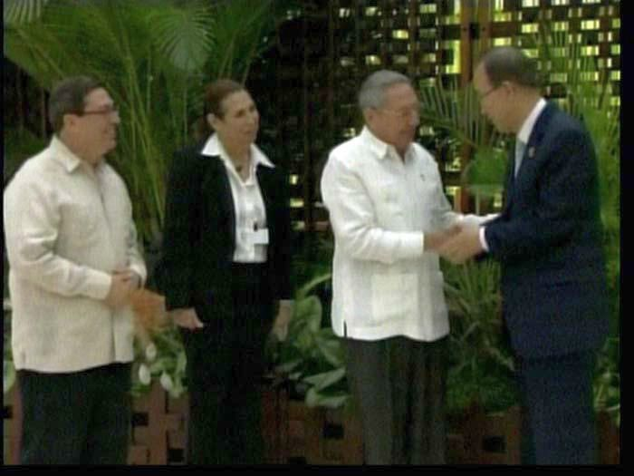 Raúl Castro Welcomed Leaders Attending Signing of Colombian Peace Agreements (Photo taken from the TV)
