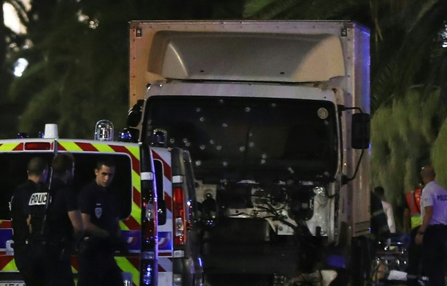 Hollande Calls a Terrorist Attack the Massive Outrage in Nice (Photo taken from http://www.20minutes.fr)