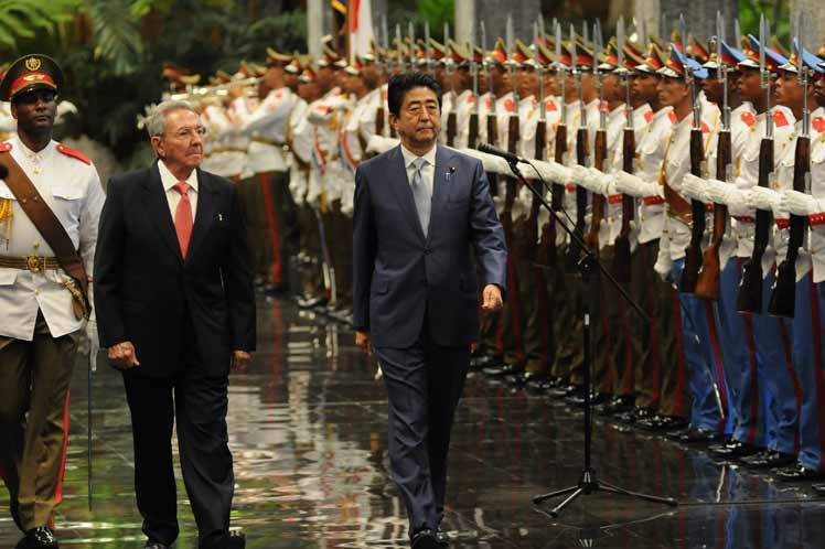 escambray today, japanese prime minister shinzo abe, raul castro