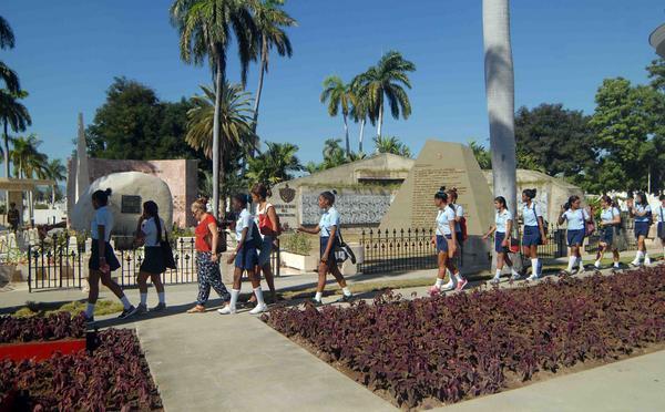 escambray today, fidel castro, cuban historic leader, cuban revolution, sanat ifugenia cemetery, jose marti