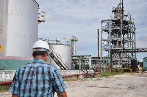 escambray today, oil, oil refinery, cabaiguan, sancti spiritus