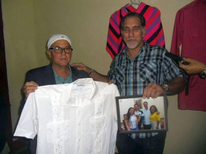 escambray today, guayabera, rene gonzalez, casa de la guayabera, hugo chavez