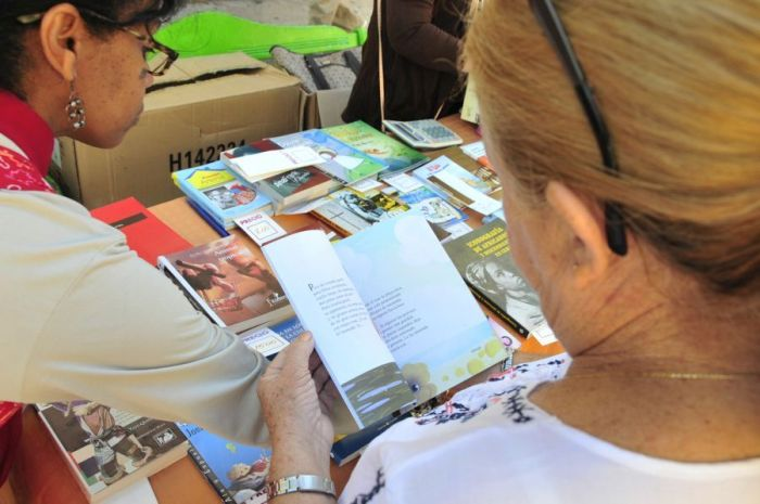 escambray today, book fair, reading, libraries, bookstores, ruben martinez villena provincial library, habit of reading