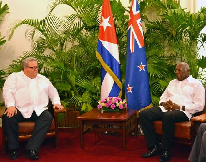 escambray today, salvador valdés mesa, new zealand foreign minister gerry brownlee