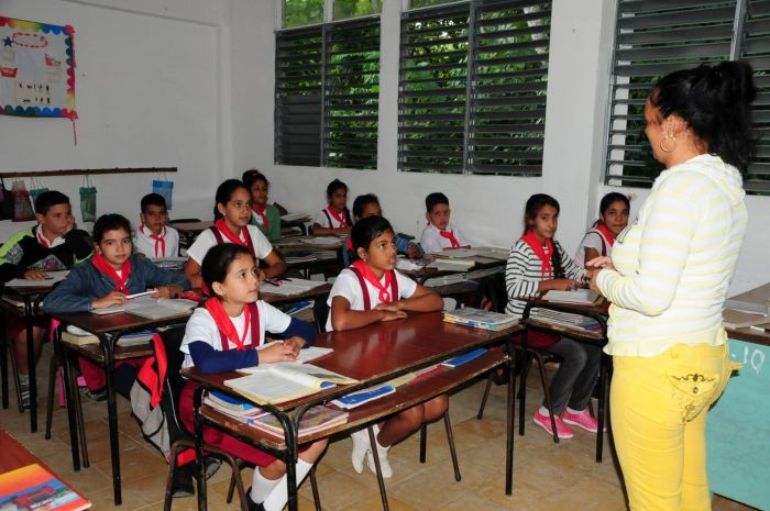 escambray today, school year, academic year, cuban students