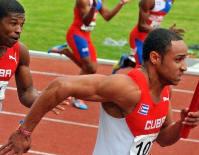 Yaniel Carrero 4x100 relay Escambray Newspaper