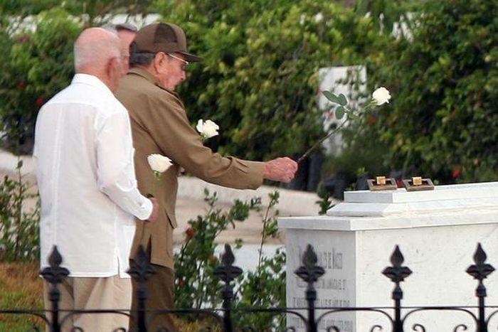 escambray today, raul castro, santa ifigenia cemetery, fidel castro, carlos manuel de cespedes, mariana grajales, inhumation ceremony