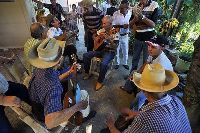 escambray today, celina gonzalez, punto cubano, unesco's intangible cultural heritage, punto guajiro, punto, cuban peasant, cuban farmers
