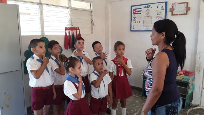 escambray today, sancti spiritus, cuban sign languange, deaf and hard of hearing children