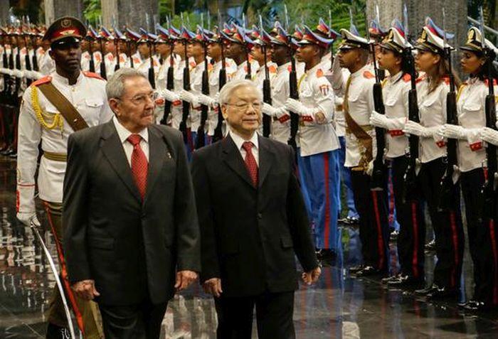 Raul Castro - Nguyen Phu Trong