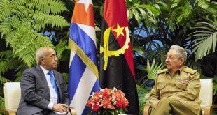 Cuba President Raúl Castro and Angola's Minister of National Defense, Salviano de Jesús Sequeira.