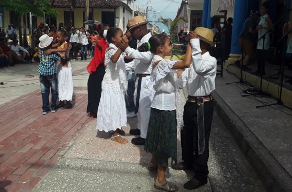 children dancing Changüí
