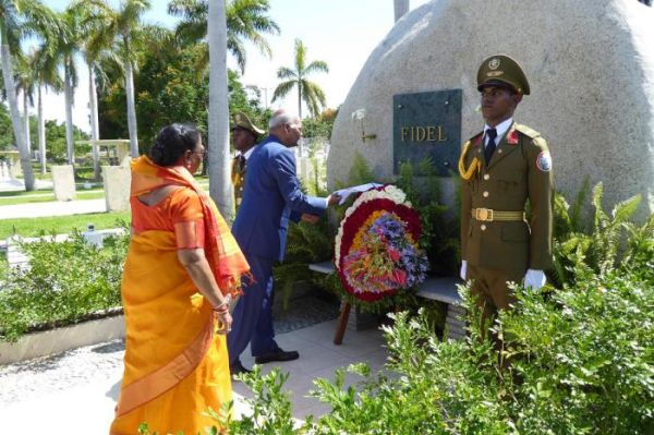 india president in santa ifigenia
