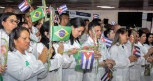Cuban doctors return from Brasil1