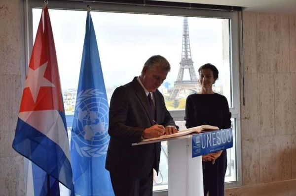 diaz-canel and unesco director