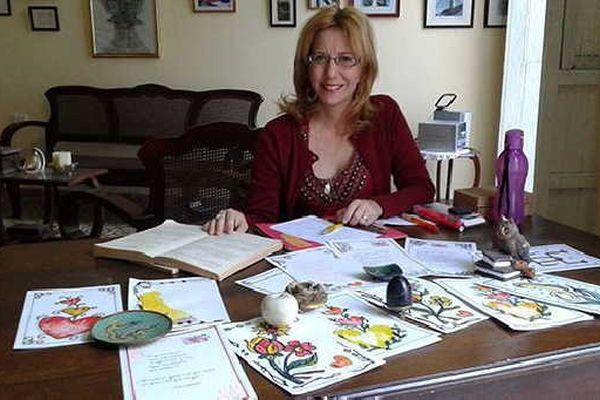 escribania-dollz-writes love