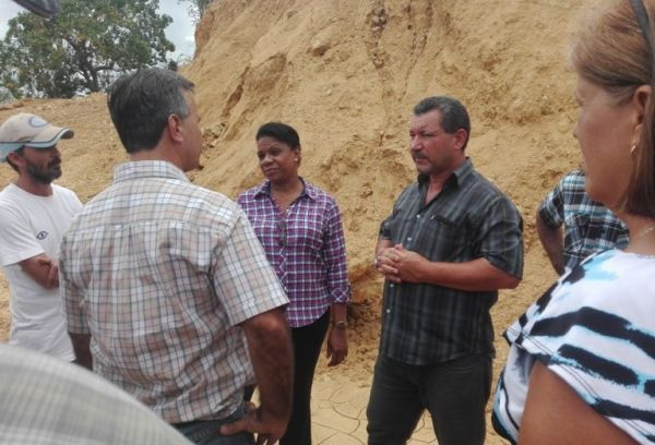 Chapman evaluates water project in trinidad