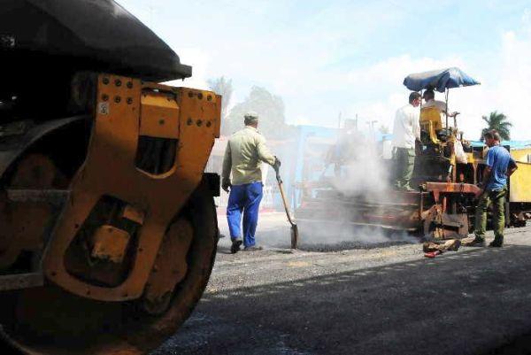 road repair in cuba
