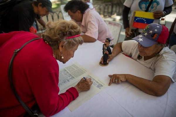 venezuela signs no more trump