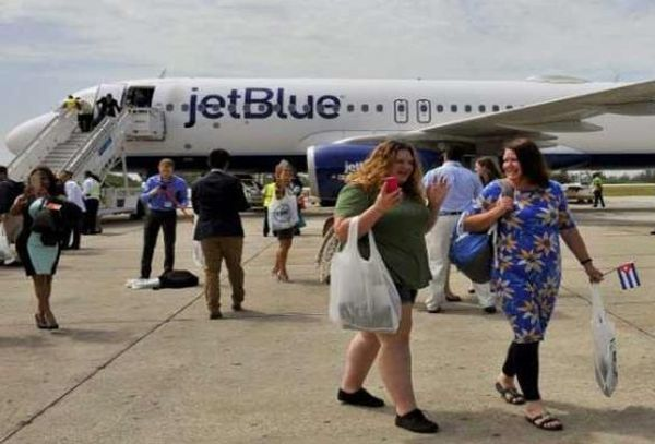 American passengers upon arrival in Cuban airport in a JetBlue flight