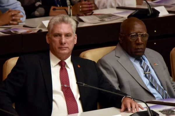 Díaz-Canel and Valdés Mesa, president and vice-president of the Republic of Cuba, respectively