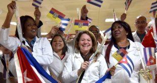 Members of the Cuban medical brigade who were working in Ecuador upon arrival in Havana's Jose Martí Airport