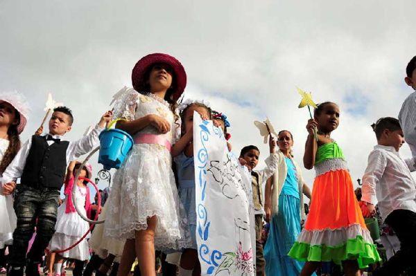 parade honors jose marti in sancti spiritus