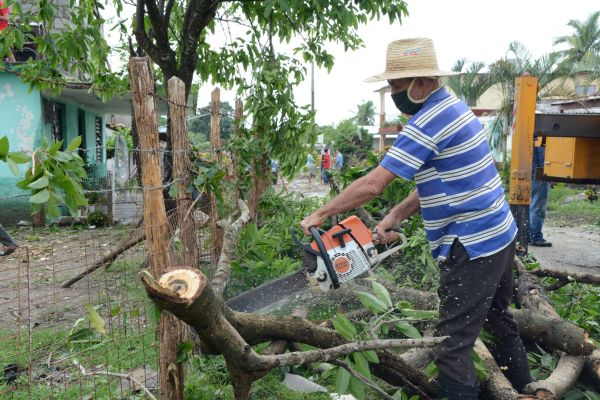 local storm hits district near sancti spiritus1