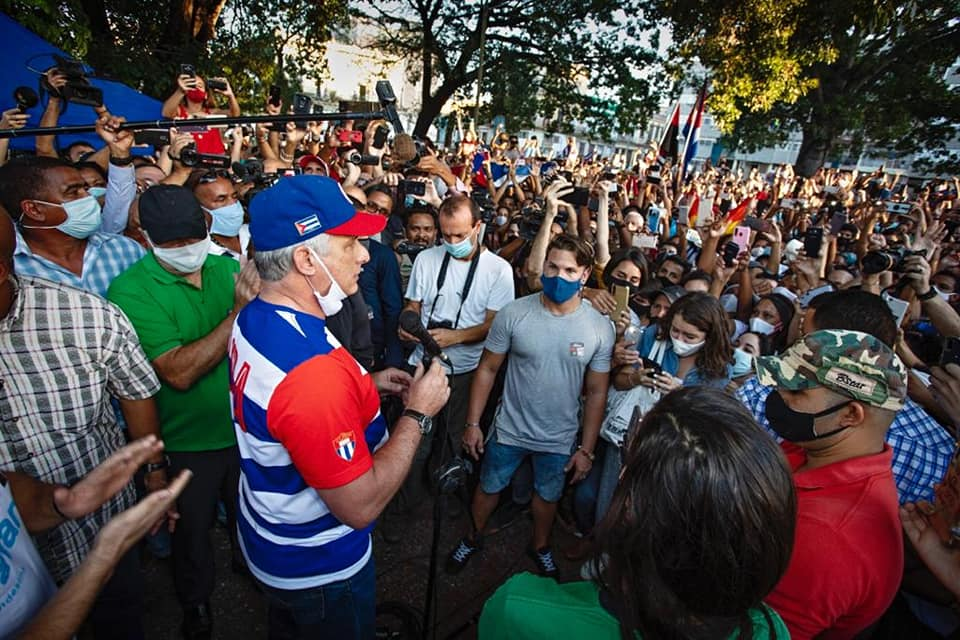 Young people participate in rally in defense of socialist democracy in Cuba