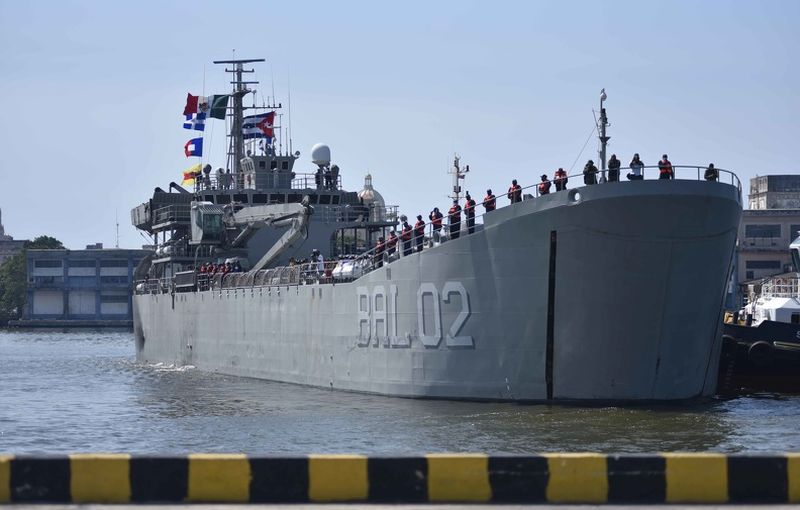 ship from mexico brings aid to cuba