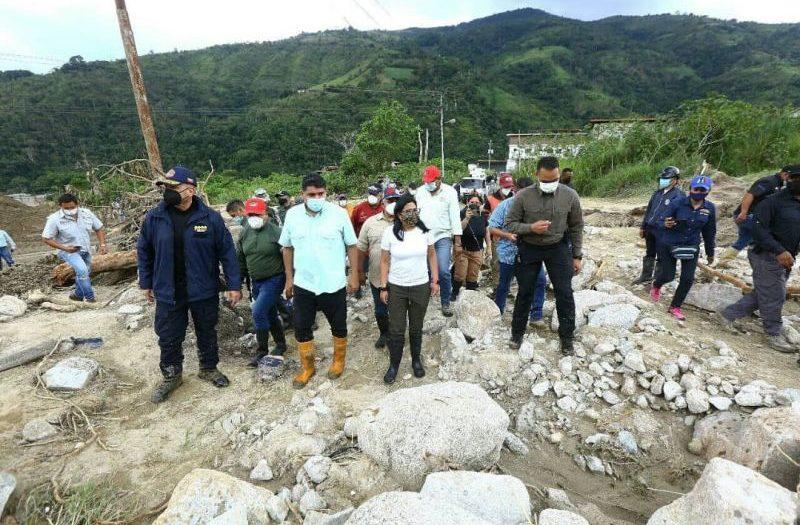 delcy rodriguez tours areas hit by the rain in merida, venezuela